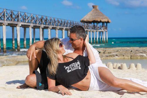 couple beach love