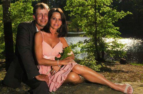 couples portrait pose