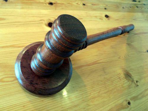court hammer auction