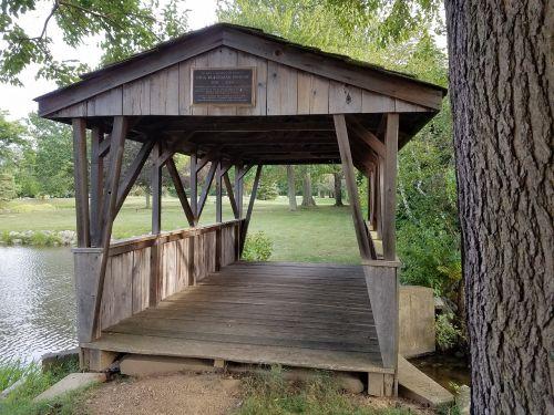 covered bridge lake ohio