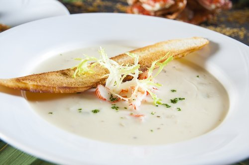 crab meat  clever up  bisque