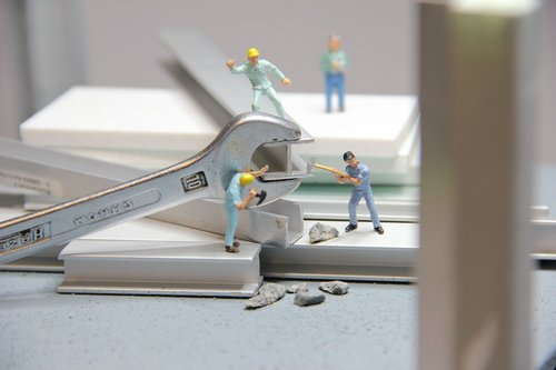 craft  steel beams  miniature figures