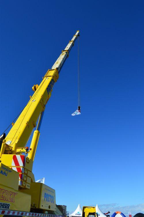 crane up heaven