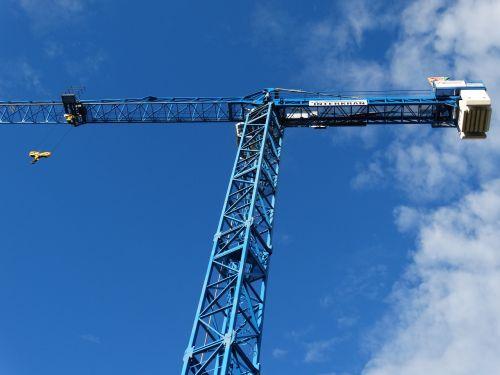 crane load crane skyward
