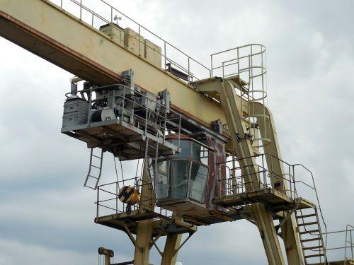 crane industry driver's cab