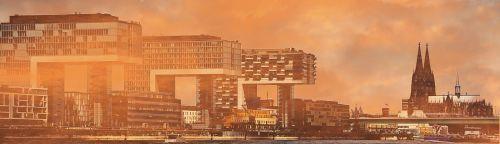 kranų namai,architektūra,Kelno katedra,Kelnas,šiuolaikiška,pastatas,stiklo langas,moderni architektūra,namai,Reino upė,rinas,Rheinauhafen,panorama,Vokietija,vandenys,upė,dangoraižiai,namai,biurų pastatai,gyvenamieji pastatai,biurų pastatas,pasaulinis paveldas,Dom,plieno santvarų konstrukcija,įspūdingas,įspūdingas pastato formos,reginas,muitinės uostas,tektoninė koncepcija,Senamiestis,fonas,fono paveikslėlis,stiklas,turizmas,aukštas,juoda ir balta,lankytinos vietos,mistinis