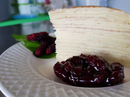 crape cake mulberry topping