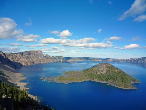 crater lake wizard island volcanic