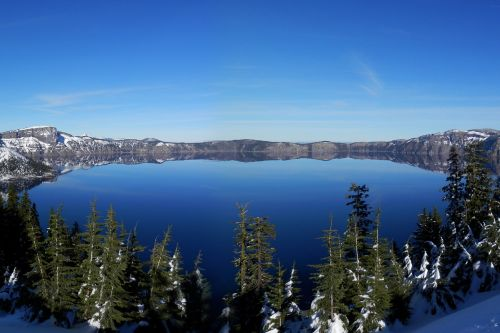 crater lake volcano lake