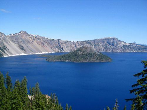 crater lake oregon island