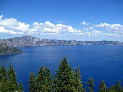 crater lake cascade mountains national park