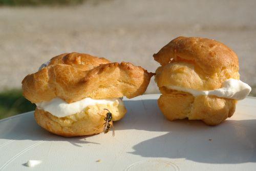 cream puff pastries cream