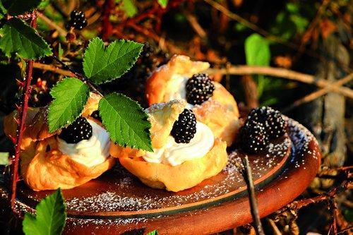cream puff  berries  blackberries