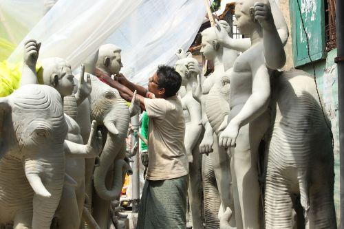 creator sculptor artist