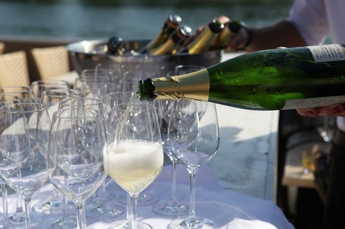 cremant  summer party  champagne glass