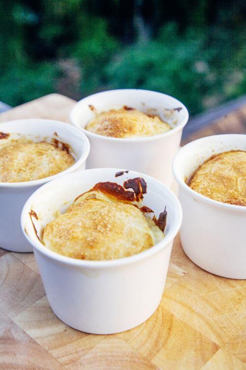 crème brûlée dessert sweet food