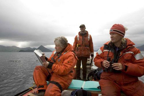 crew research boat