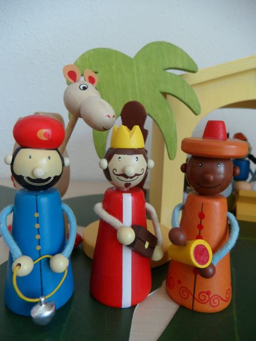 crib figures holy three kings