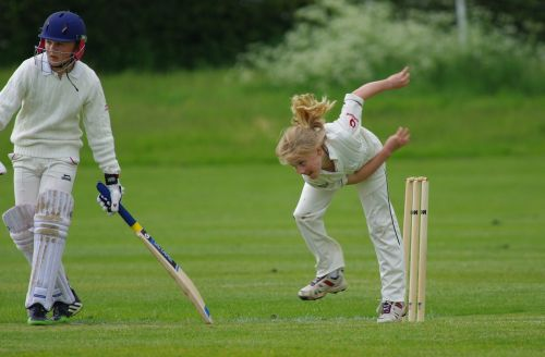 cricket bowling girl