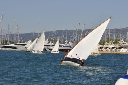 croatia boot sail