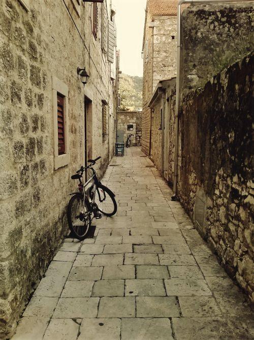croatia bicycle travel