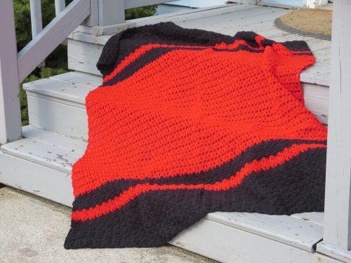crochet red black