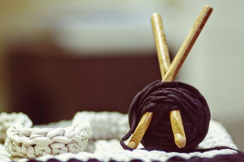 crocheting yarn diy