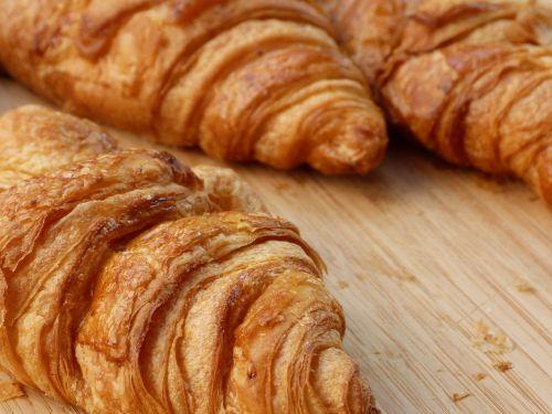 croissant breakfast baked goods