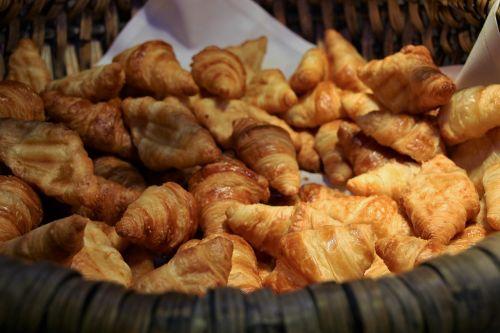 croissant eat food