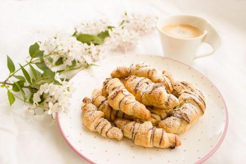 croissant nutella chocolate
