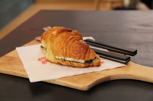 croissant,coffee,tea,butter,cream,cheese,bread,breakfast,cafe,yummy,pastry,cake,bakery,fresh,local,culture