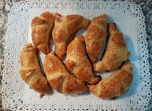 croissant cooking taste