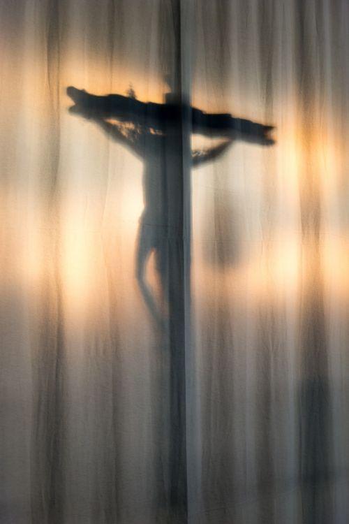cross christ shadow