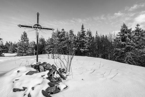 kirsti,Jėzus,kalnas,žiema,sniegas,krikščionybė,krikščionis,tikėjimas,katalikybė,Lenkija,Luban kalnas,lubań kalnas,gorce,religinis,kraštovaizdis,kalnas,lauke