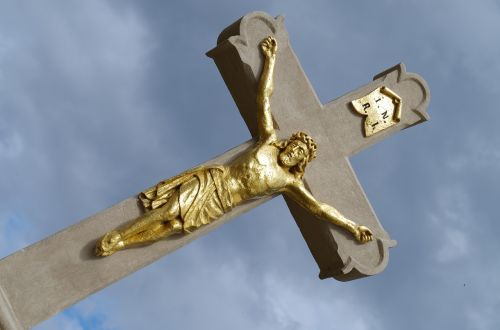 cross sacral the statue of