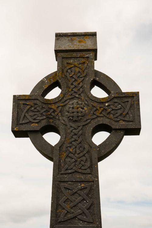 cross ireland cemetery