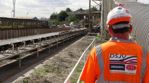 crossrail construction worker