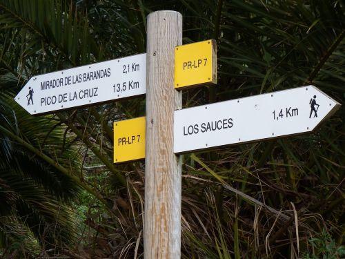 crossroads sign llano clara san andrés y sauces