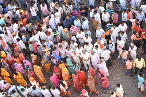 croud indian religion