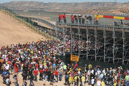 crowd  harrows  moto gp