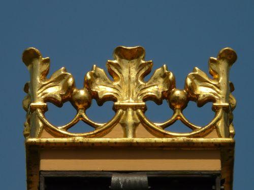 crown metal gold