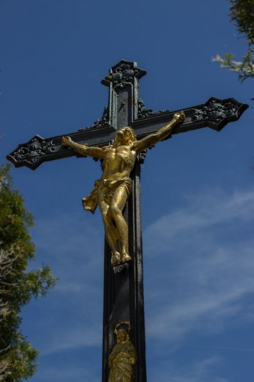 crucifix cross jesus