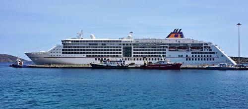 cruise ship luxury