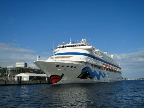 cruise ship passenger ship