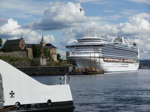 cruise cruise ship emerald princess
