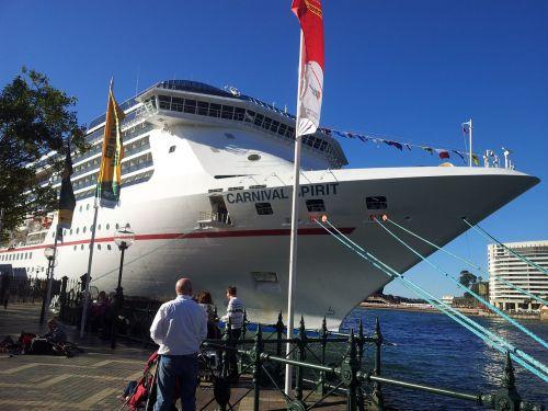 cruise boat sydney