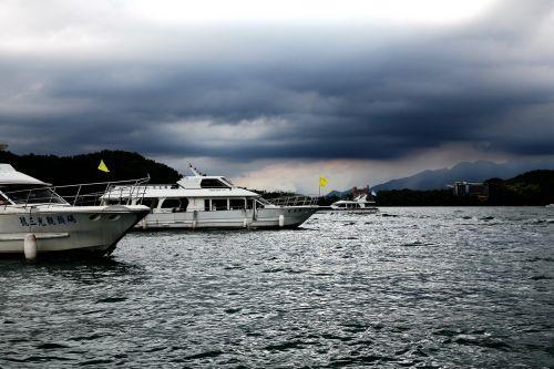 cruise speed boat passenger ships