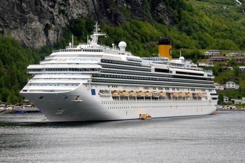 cruise boat ship boating