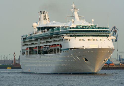 cruise ship cruise ship