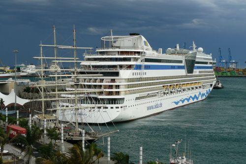 cruise ship ship ships